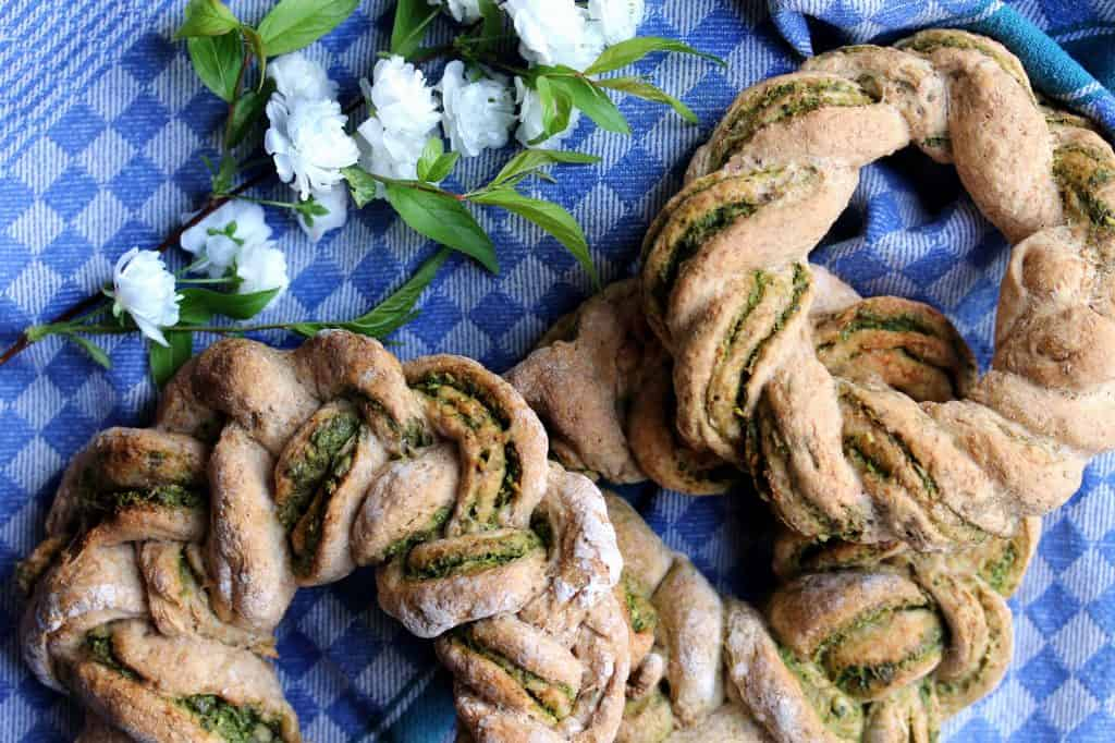 Braided Bread with Parsley Pumpkinseedbutter-Truefoodsblog