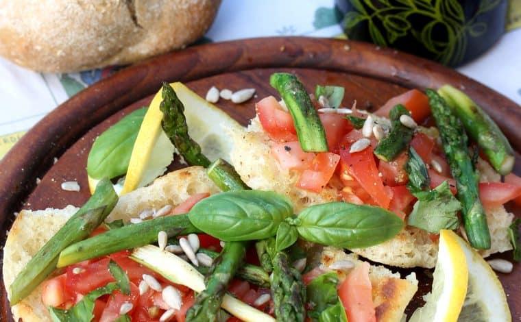 Asparagus Bruschetta - Truefoodsblog