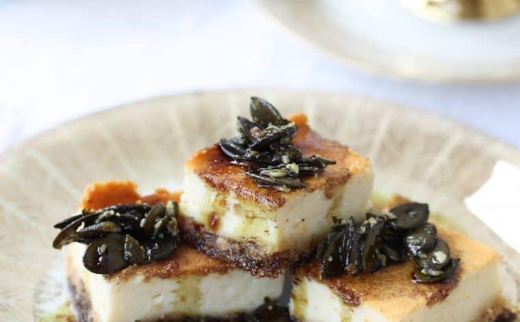 Creamy Vanilla Cheesecake Pumpkinseed Topping - Truefoodsblog