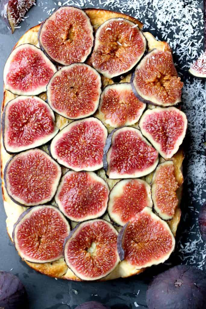 Coconut Cheesecake & Figs top down - Truefoodsblog