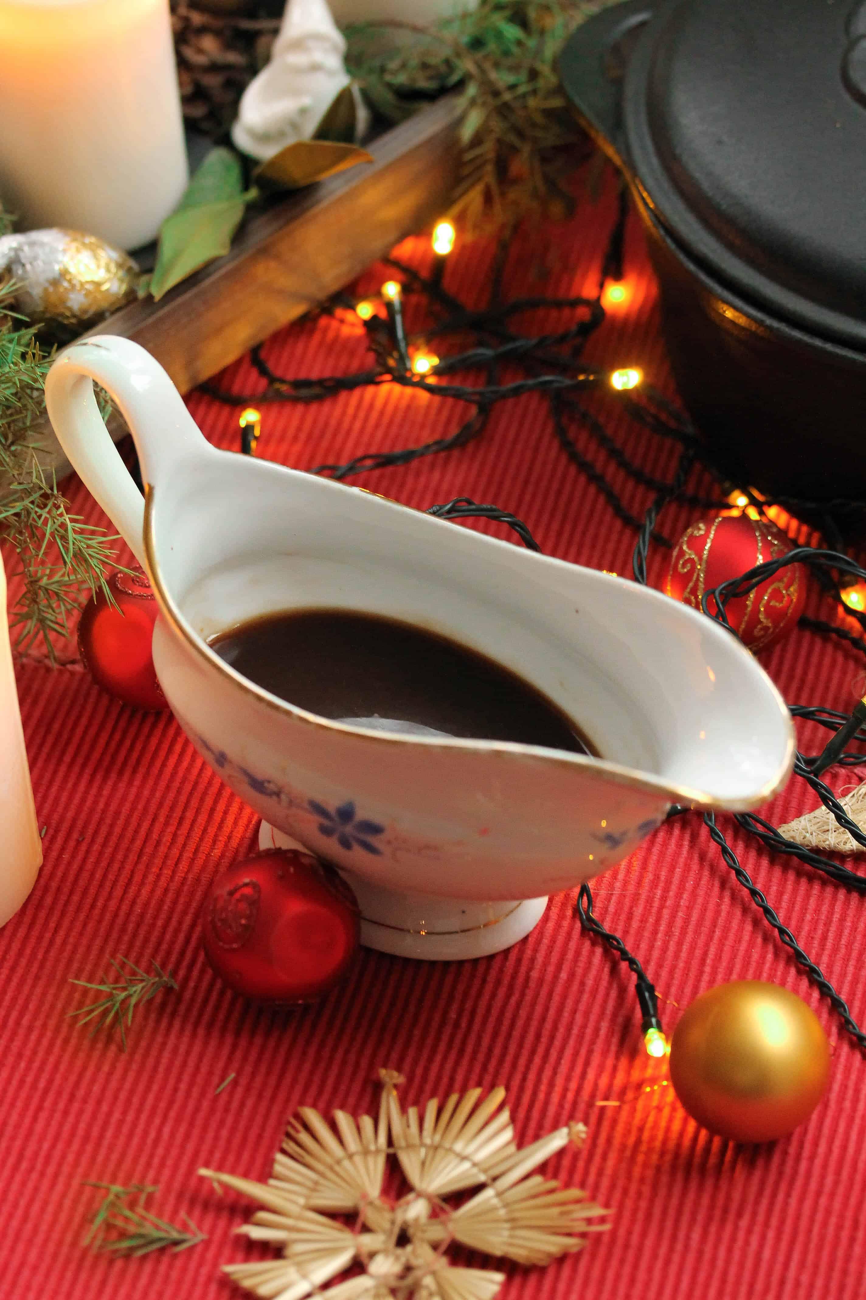 """Vegan Gravy – """"Main Dish for your vegan Christmas dinner"""""""