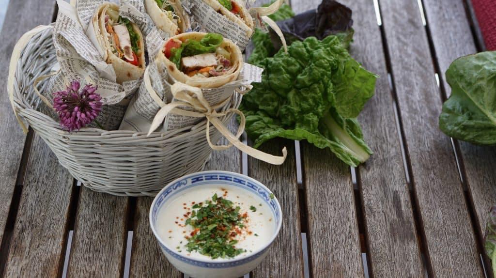 Halloumi wholegrain wraps - veggie overload by Truefoodsblog