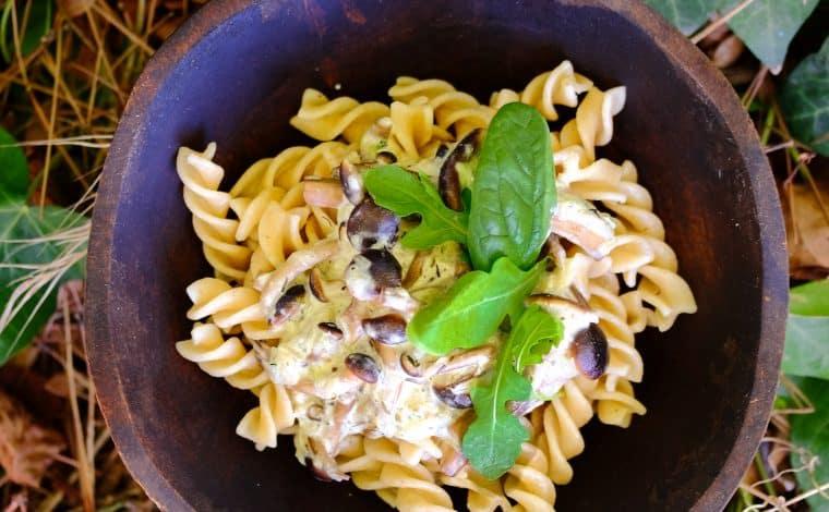 Creamy Vegan Mushroom Pasta by Truefoodsblog