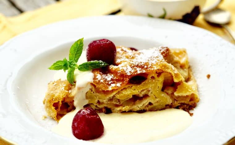 Original Bavarian apple strudel with vanilla sauce by Truefoodsblog