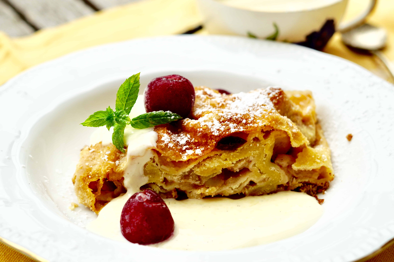 Original Bavarian Apple Strudel With Vanilla Sauce