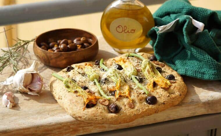 Focaccia with Olives & Zucchini-Flowers - La Vialla inspired by Truefoodsblog 11