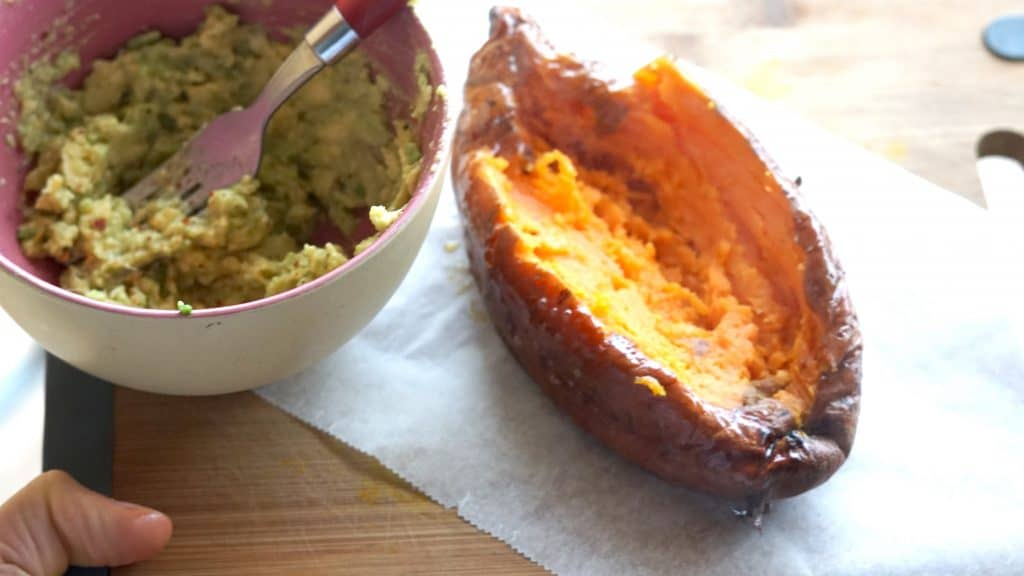 Vegan Stuffed Sweetpotato - Mexican style by Truefoodsblog 3
