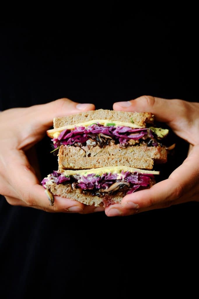 Vegan Reubensandwhich by Truefoodsblog
